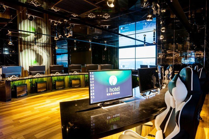 Geekerhertz,Nvidia,PC's,lobby,lanning,rooms,Taiwan,gamers,gaming,hotel,